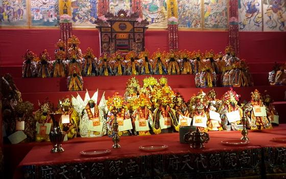 來自泰國、日本、中國大陸、新加坡等地,數有萬餘神尊共聚於內道壇