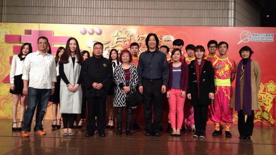 團長劉紅博士和總監黃錦昌先生帶領團員出席記者會