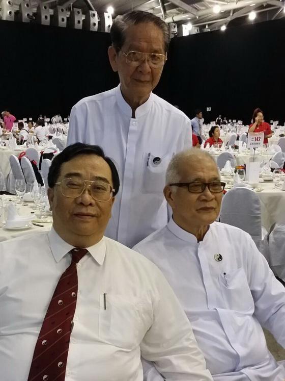 梁德華道長(左)李金池道長遠(中)陳國顯道長(右)