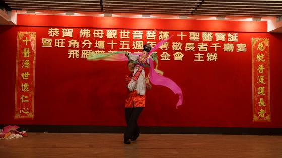 索輝輝師傅的「木偶」表演
